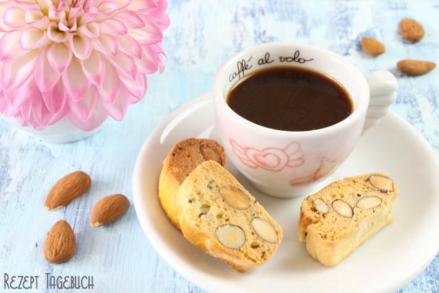 Italienische Kekse mit ganzen Mandeln und Chiasamen Rezept